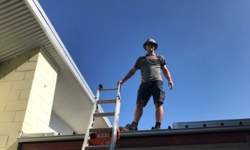 Sunny and share Solarpro ladder engineer roof